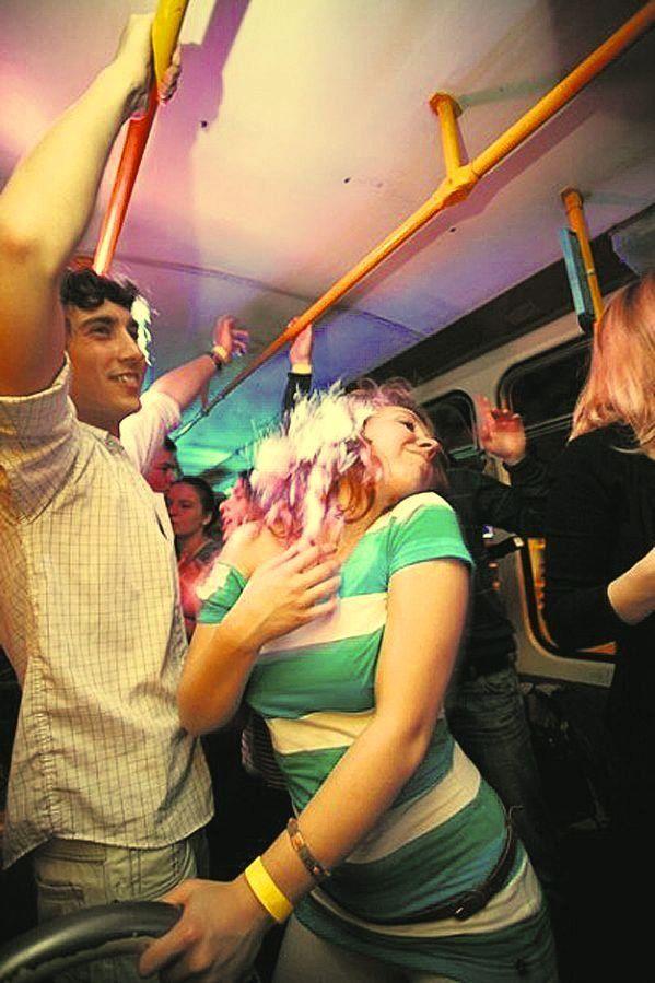 Во Львове в ночное время трамваи преображаются в высокоскоростную дискотеку