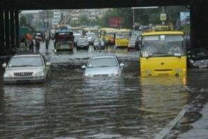 Киев от потопа выручали вантузами