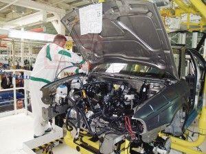 Действующие требуют Януковича отстоять автопром от экспансии импорта