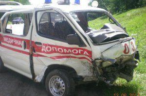 Быстрая залетела в иностранный автомобиль: была убита больная, 4 человека - в клинике