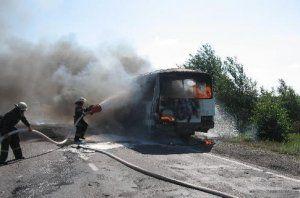 Под Киевом зажегся автобус с людьми