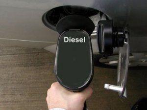 По состоянию на 4 марта, на украинском рынке нефтепродуктов оптовые цены на бензин А-80, А-92 и ДТ упали в цене...