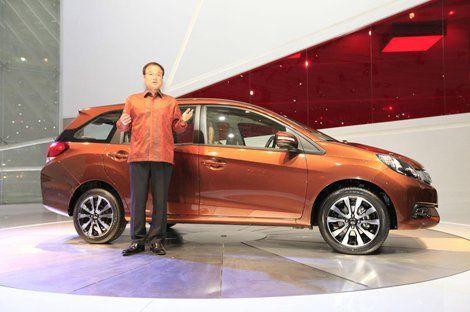 Хонда спроектировала экономный многоместный компакт-вэн