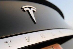 К подготовке автопилота подключилась Тесла