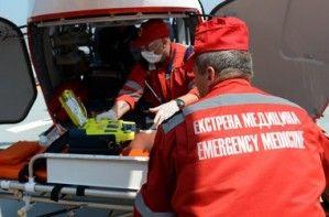 Киевлянин упал из окна дома на крышу авто