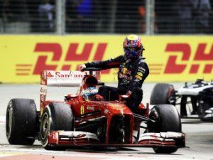 Марка Уэббера покарали за конфликт после финиша Гран-при Сингапура