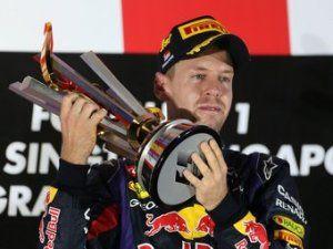 Болельщиков Формулы-1 осудили за освистывание Феттеля