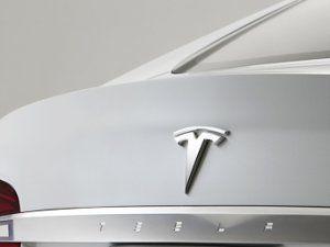 «Тесла» спроектировала смешанный метод питания электромобилей
