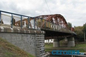 В Одессе чинят известный мост, который стал чересчур небезопасным