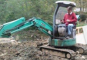 В. Ющенко был замечен около собственной карпатской резиденции в автомобиле трактора