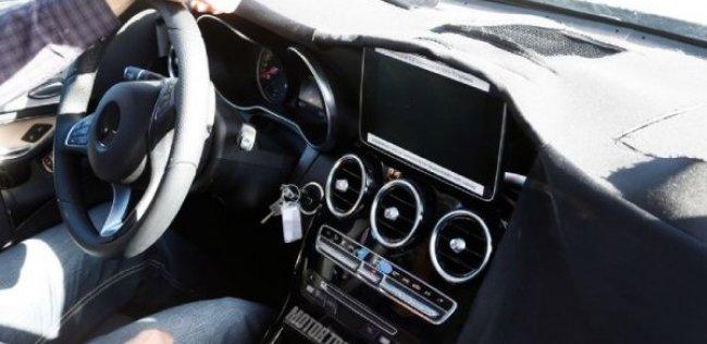 Репортеры изучили салон нового Mercedes-Benz GLK-класса