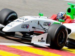 Место пилота Макларен в Формуле-Renault 3.5 досталось любимец Red Bull