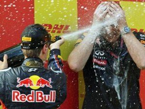 Бригада Формулы-1 Мерседес AMG перетянула 2-ух инженеров Red Bull