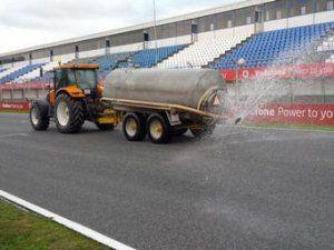 Пирелли увлажнила влажную автотрассу для испытаний снежных покрышек Формулы-1