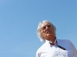 Экклстоун заплатит млн euro за донос на команду Формулы-1