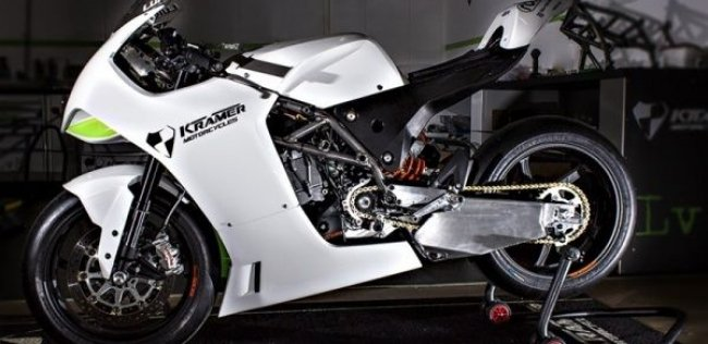 Гоночный мотоцикл HKR-EVO2 690