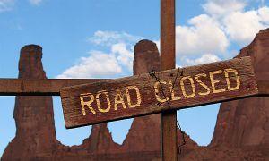 В Калифорнии закрыли проезжую часть из-за спортивных автолюбителей