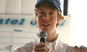Автомобильный спорт: Феттель переступил из Заубер в Toro Rosso