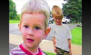 Лихачей начали запугивать картонными детьми