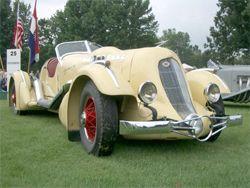 В Пибл Бич самым старинным стал Duesenberg SJ Special 1935 года