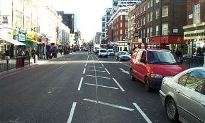 Англичан штрафуют за автомобильную парковку в разрешенных местах