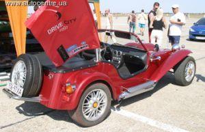 На авто-шоу Drive City 2007 в Бердянске прибыли не менее тысячи уникальных и тюнингованных авто