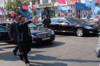 Янукович ездит на «Мерседесе» Еханурова, а Ющенко возят иностранные автомашины с одинаковыми номерами