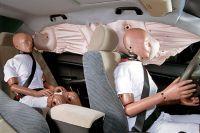 В Соединенных Штатах все автомашины будут иметь побочные подушки