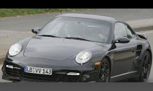 Купе Порше 911 Турбо засекли на автотрассе