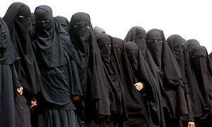 Девушки Саудовской Аравии сражаются за право управлять автомашиной