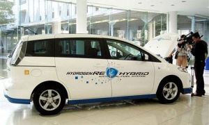 Мазда продемонстрирует в Токио водородный Premacy