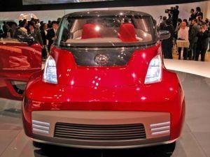 В Токио продемонстрировали юношеский автомобиль с откидным верхом Ниссан Round Box