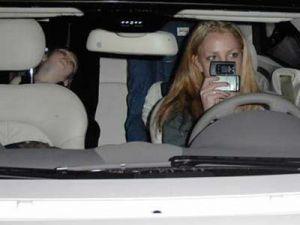 Бритни Спирс управляет автомобилем под «кайфом»