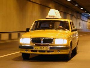 Столичных таксистов обяжут понимать город