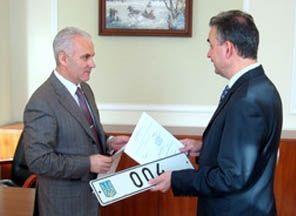 Депутаты  отдали 219 спецномеров
