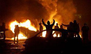 В Греции экстремисты жгут машины зарубежных посольств
