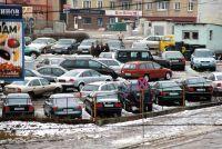 Старое авто легче приобрести в зимнюю пору