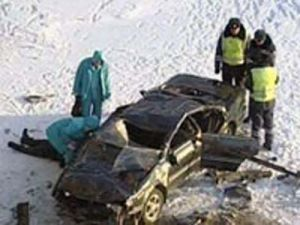 Автолюбитель умер встретившись с баржей