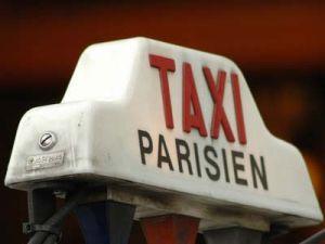 Французские таксисты блокируют города
