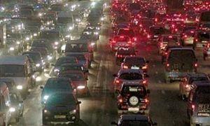 В час пик в автомобильных пробках Города Москва стоит 600 000 автомашин синхронно