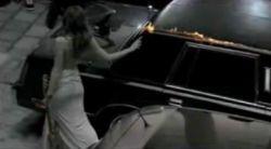 Супруга вице-президента Франции палит машины