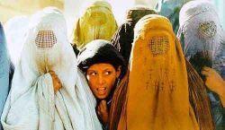 Девушка в Саудовской Аравии села за руль, в знак протеста против запрета на пилотирование