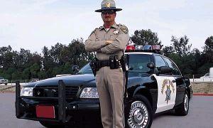 Поддельный полицейский словил настоящего за превышение дозволенной скорости