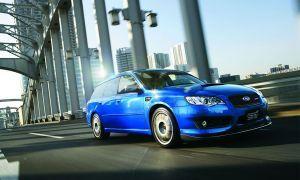 Субару производит специальную версию Легаси STI С402