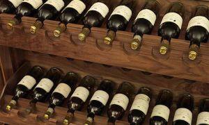 Авто короля Чарльза нагружают вином