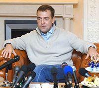 Медведев: отечественный автопром оживится
