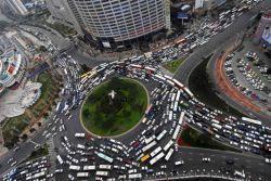 В Пекине слух о вводе предела на регистрацию авто способствовал росту автопродаж