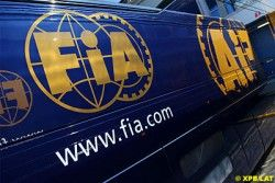 """ФИА опасается, что """"Формулу-1"""" оставит еще ряд команд"""