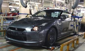 Ниссан снижает размер изготовления на 78 000 авто в неделю