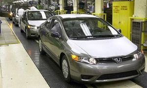 Хонда уменьшит изготовление авто на 50 000 штук
